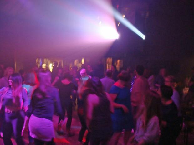 Dancing 02