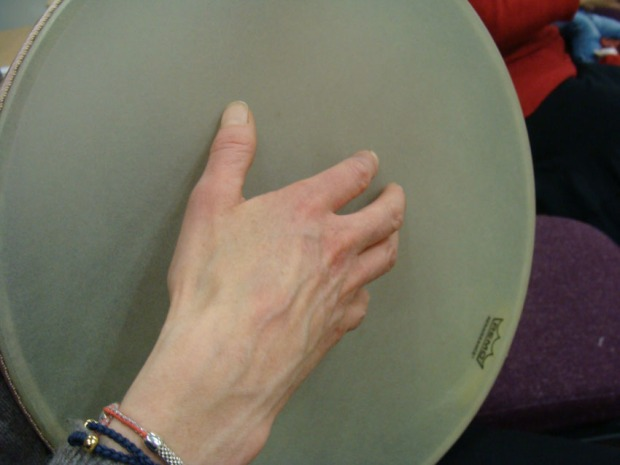 Tapping with the fingers